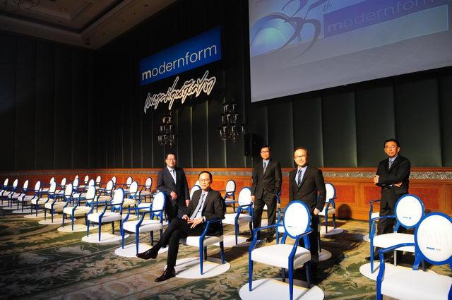 09.5-ผู้ก่อตั้งโมเดอร์นฟอร์มกับ-Soulmate-Chair