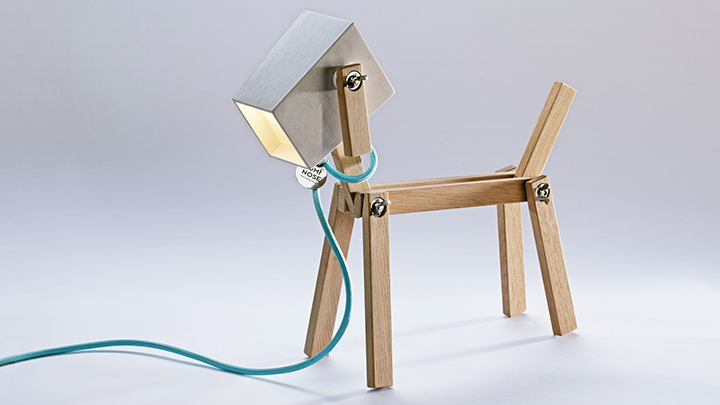 luminose-wooden-table-lamp-design-dog-lamp_00