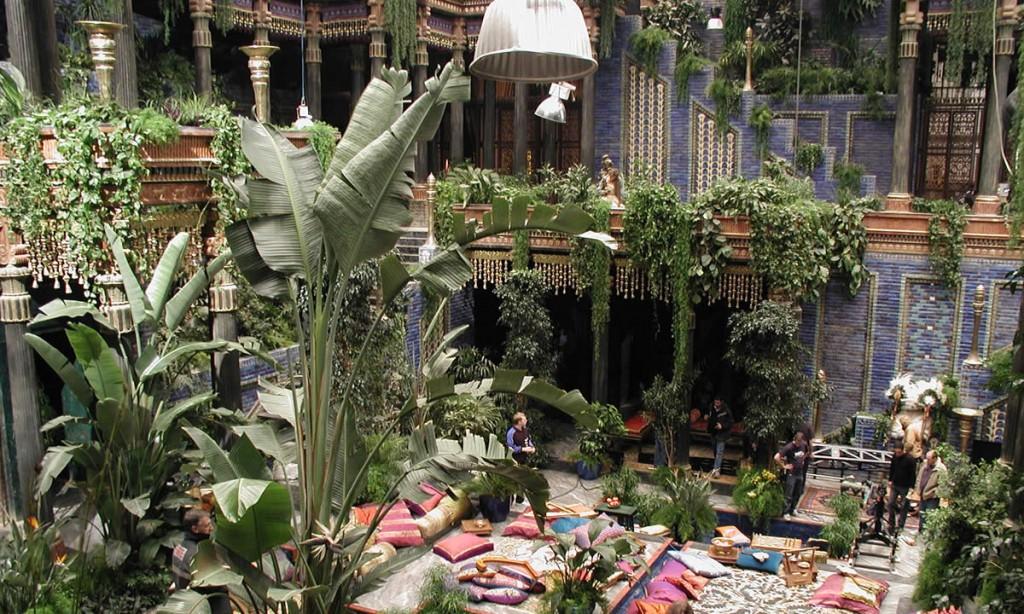 ภาพจำลองสวนลอยบาลิโลน จากภาพยนตร์เรื่อง Alexander - Hanging Gardens of Babylon Scene from Alexander movie